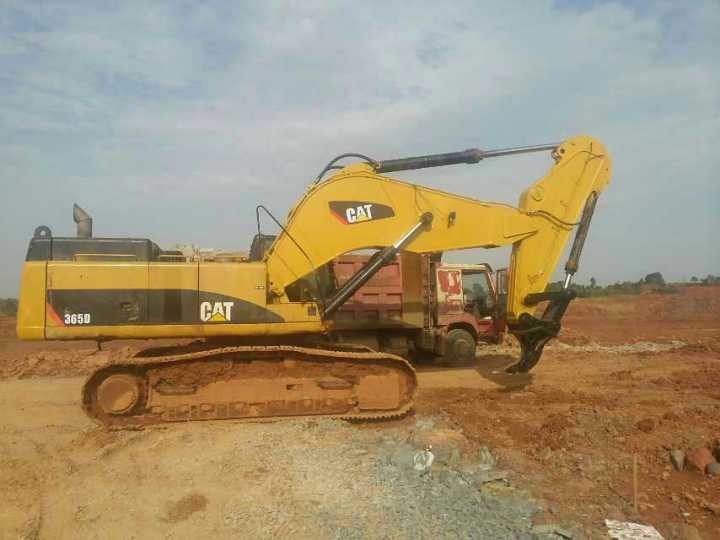 Wear Resistance Backhoe Ripper Attachment , Steel Hydraulic Ripper For Excavator